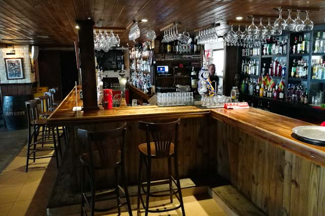 Woodstock Bar