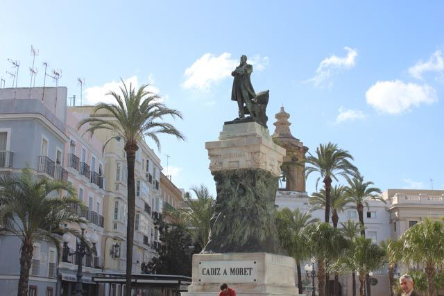 Medieval Enclosure and Puerta Tierra Tour