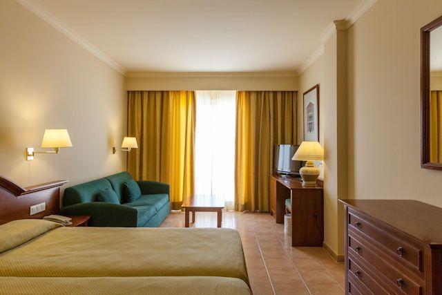 Valentín Sancti Petri Hotel-Spa