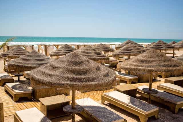 VAVÁ Playa la Barrosa – Beach Club