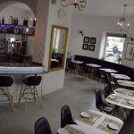 Garage Bistro & Bar es un local que propone un nuevo concepto de cocina y sala en el Barrio del Pópulo de Cádiz.