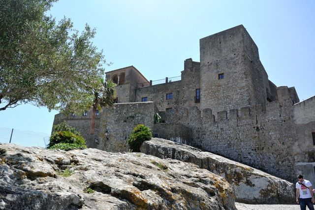 Visit the Castle of Castellar and get to know more about the history of this lovely town.