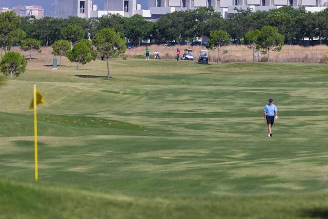 Are you a golf lover? If so, this town is for you