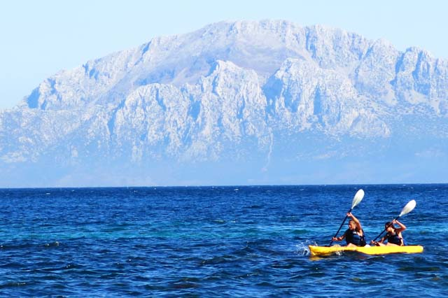 There are many interesting things to do while in Algeciras. Dare to go canoeing and you will witness the most amazing views.