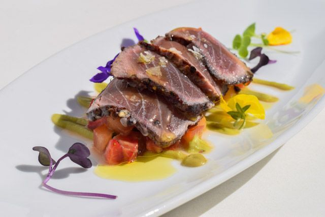 Taste Los Caños cuisine. We assure you it is fingerlicking good!