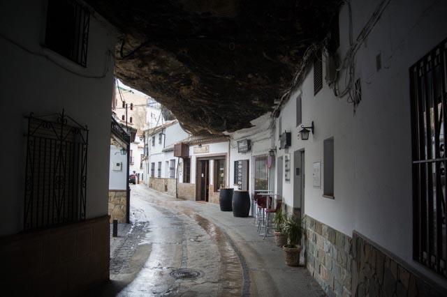 Casas-en-la-roca-Setenil-de-las-Bodegas-cadiz-cultura-001