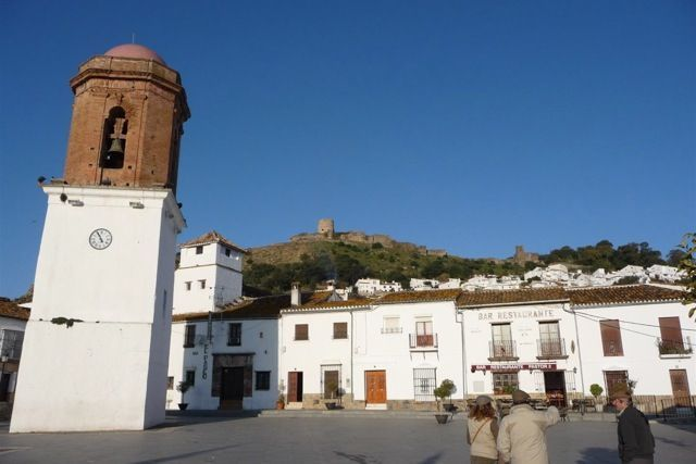 Jimena is a lovely white town in the province of Cádiz.