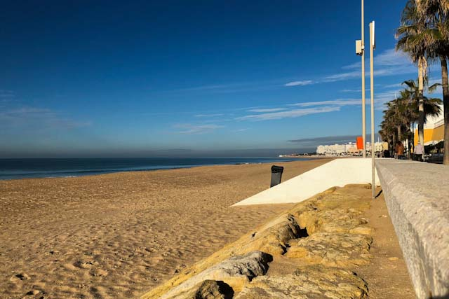 Beaches in Rota are perfect for sunbathing and make the most of your free time.